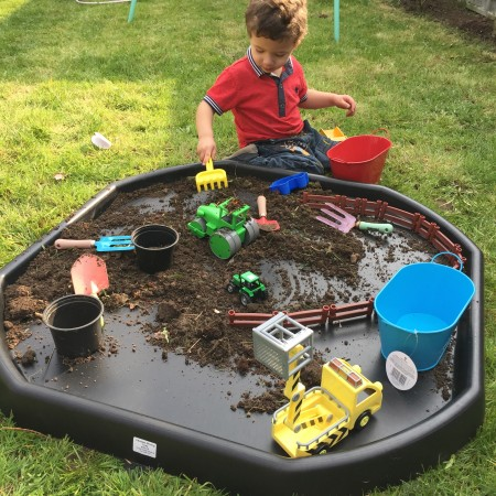 Your summer must have garden toy take it from mummy for Tray garden designs