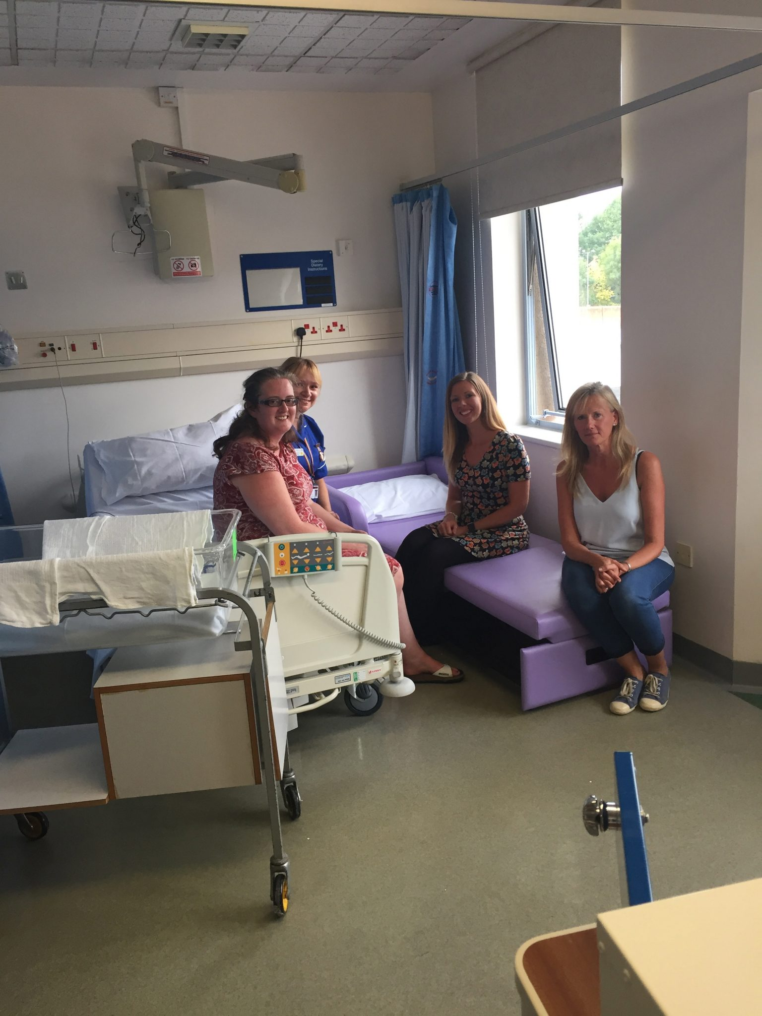 There are still three more beds needed to ensure that each of the side rooms on the maternity ward has a chair bed like this one so stay tuned for more ... & New foldout chair arrives at Warwick Hospital | Take it From Mummy