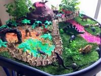 tuff tray dinosaurs
